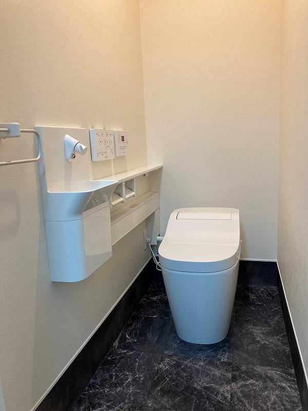 工場内WC増設工事完了しました。